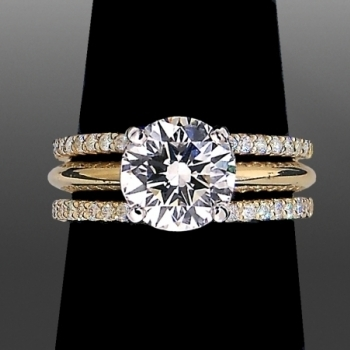 Solitaire with 2 matching wedding bands