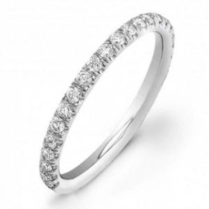 diamonds on top of wedding band