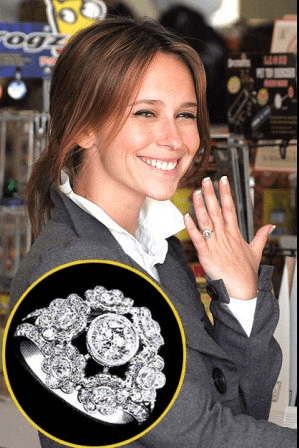 Jennifer Love Hewitt - Antique Engagement Rings